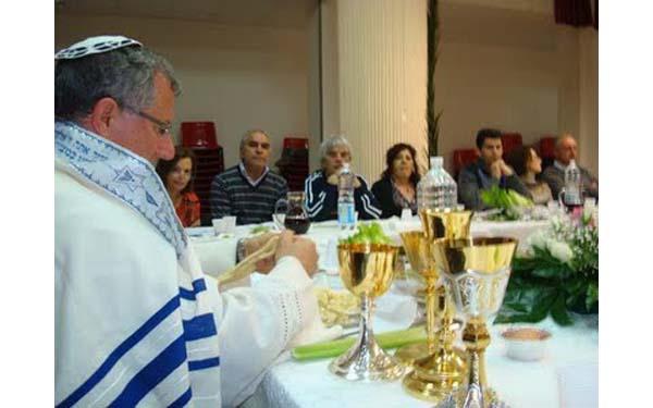 Sinagogio celebra la acelerada hebraización de los kikos...