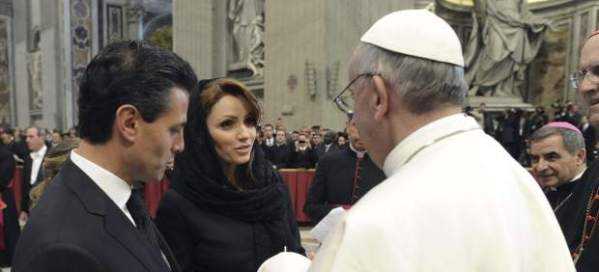 """Sinagoglio confraterniza con la """"pareja presidencial"""" mexicana, una divorciada y el otro viudo..."""